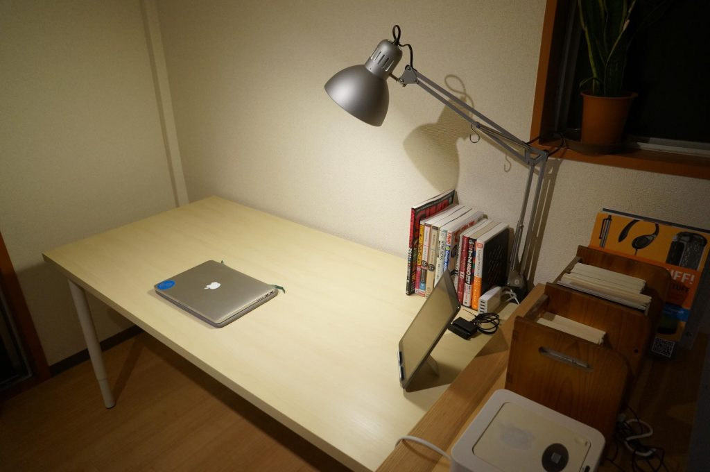 ikea-pc-desk3