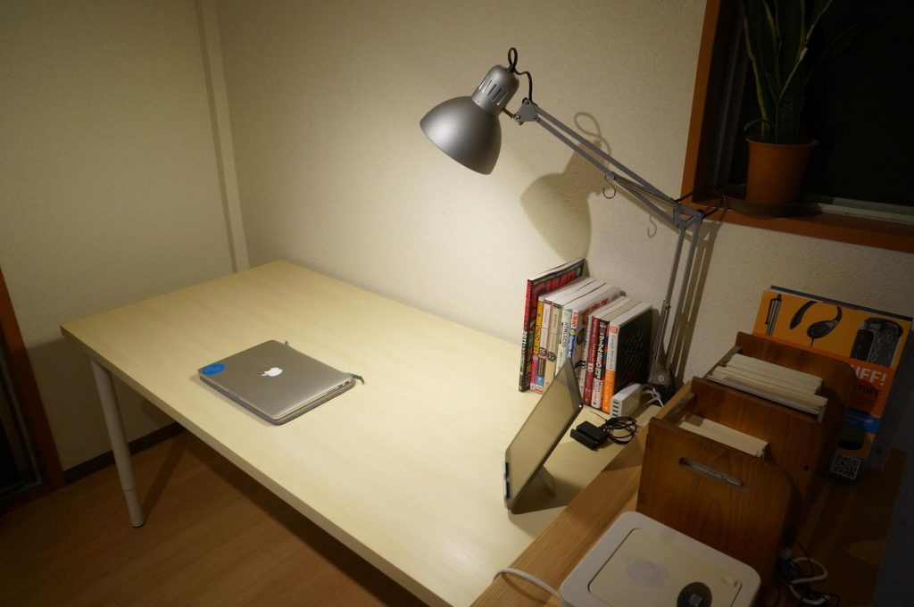 ikea-pc-desk4