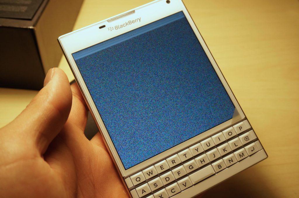 【BlackBerry Passport】iPhone や Xperia Z Ultra とサイズ比較レビュー