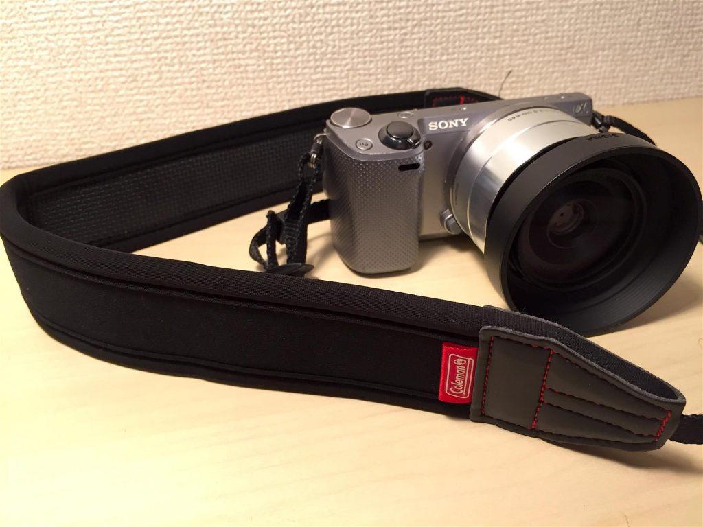 疲れにくい!太めのカメラストラップ「コールマン ネオプレーンストラップ」が安価でオススメ
