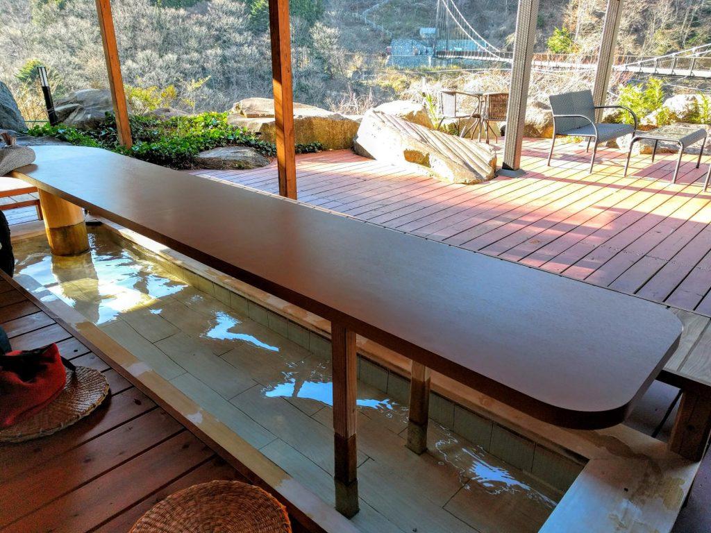 【WiFi】鬼怒川温泉の足湯カフェ「エスポ」。絶景を望みながら足湯でブログ!