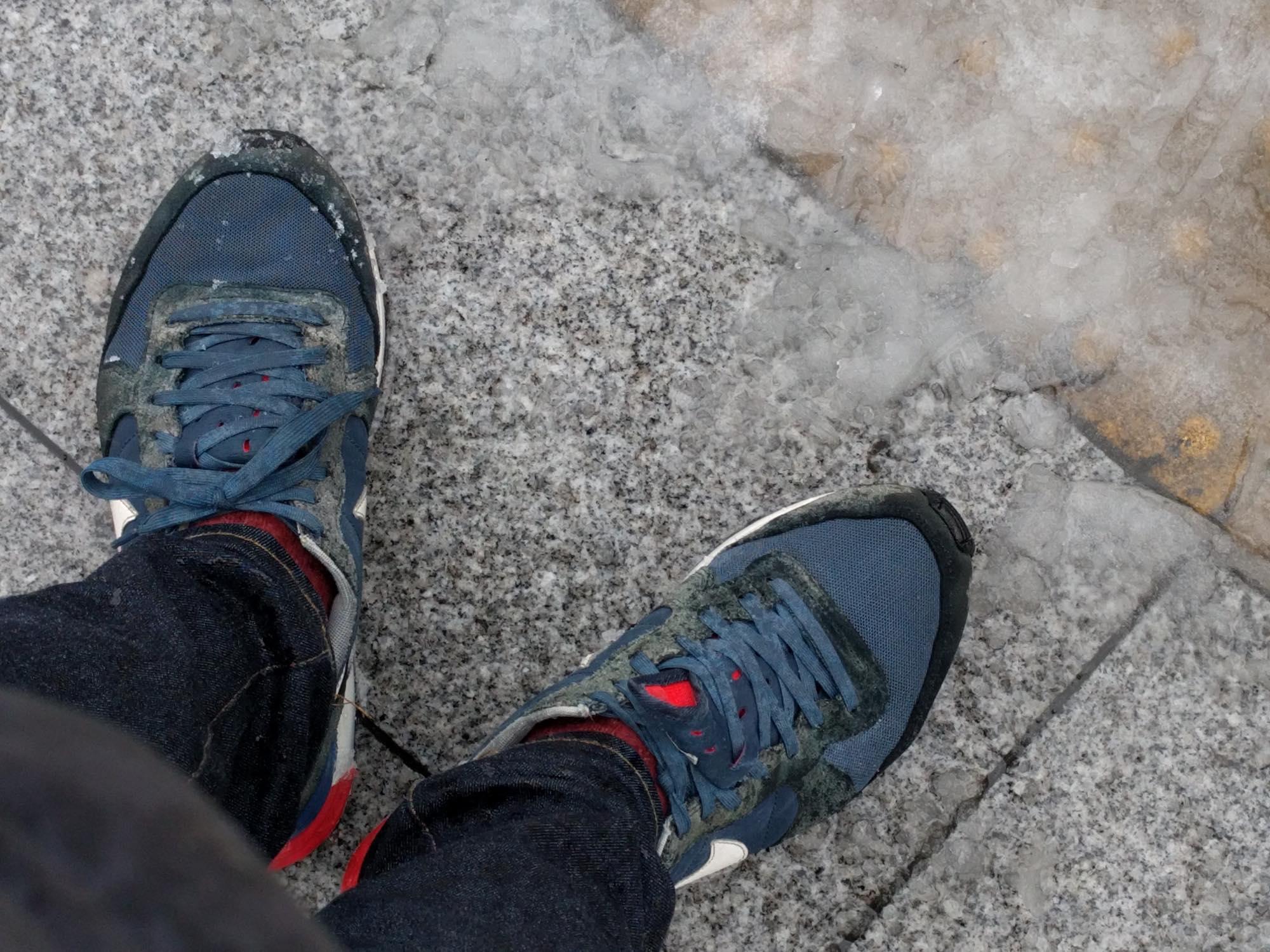 footwear-snowing3