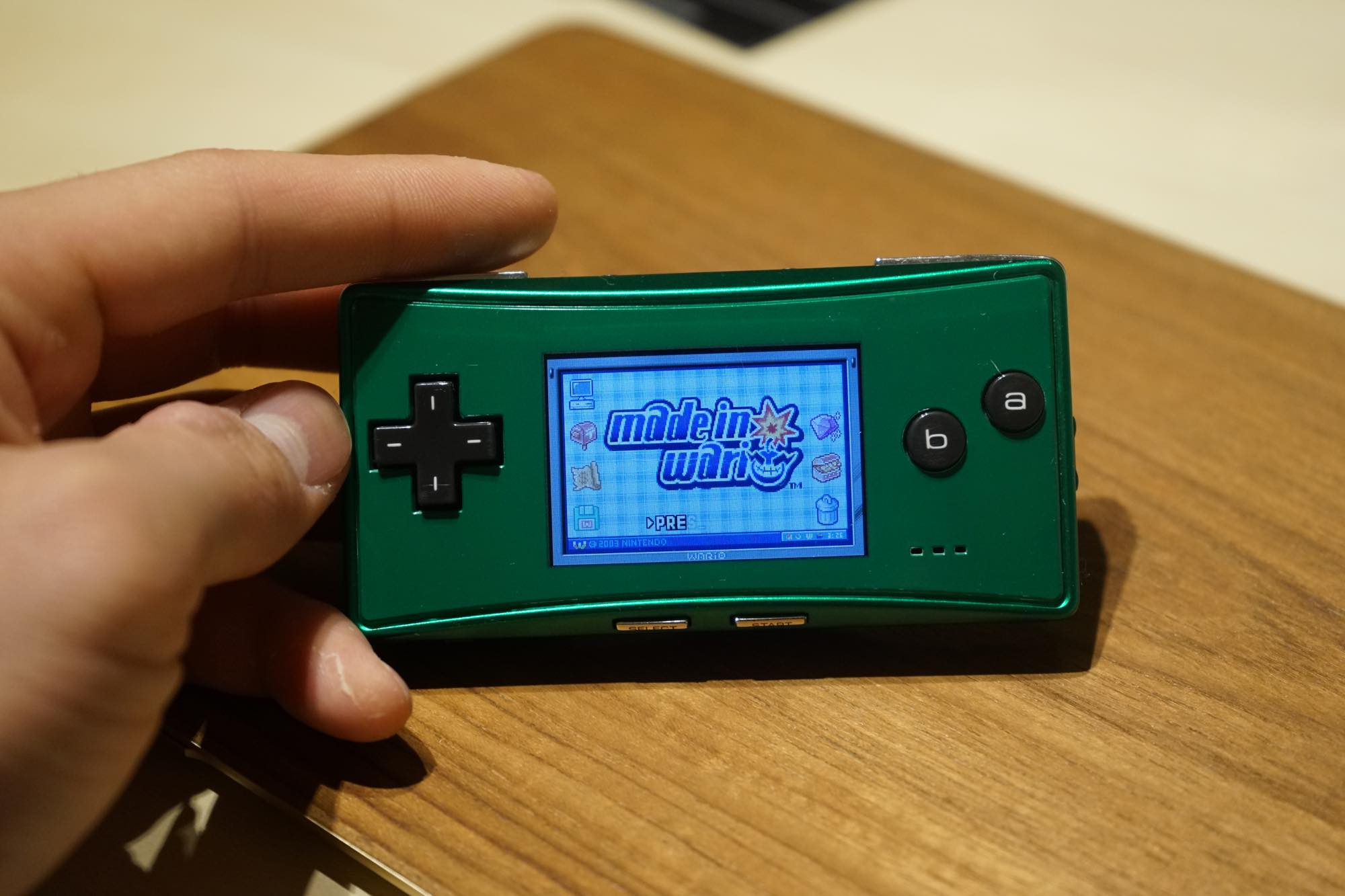 gameboy-micro-green13