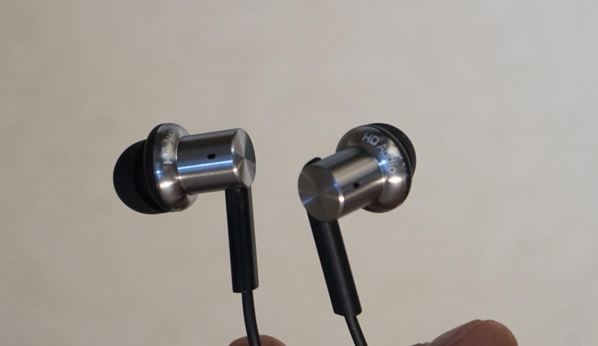 th_Mi-In-Ear-Headphones-Pro11