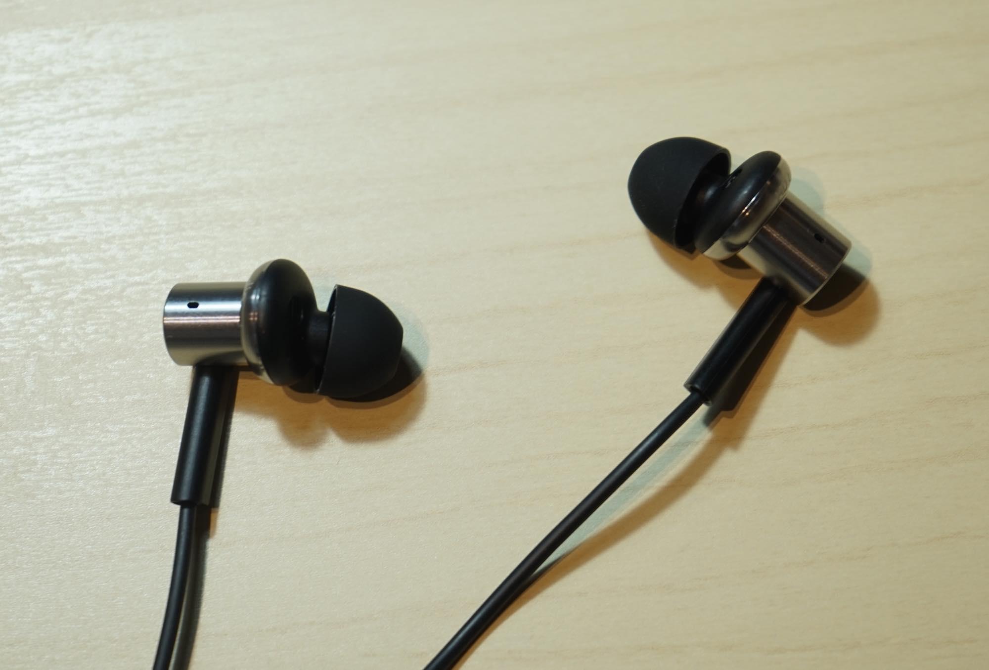 th_Mi-In-Ear-Headphones-Pro5