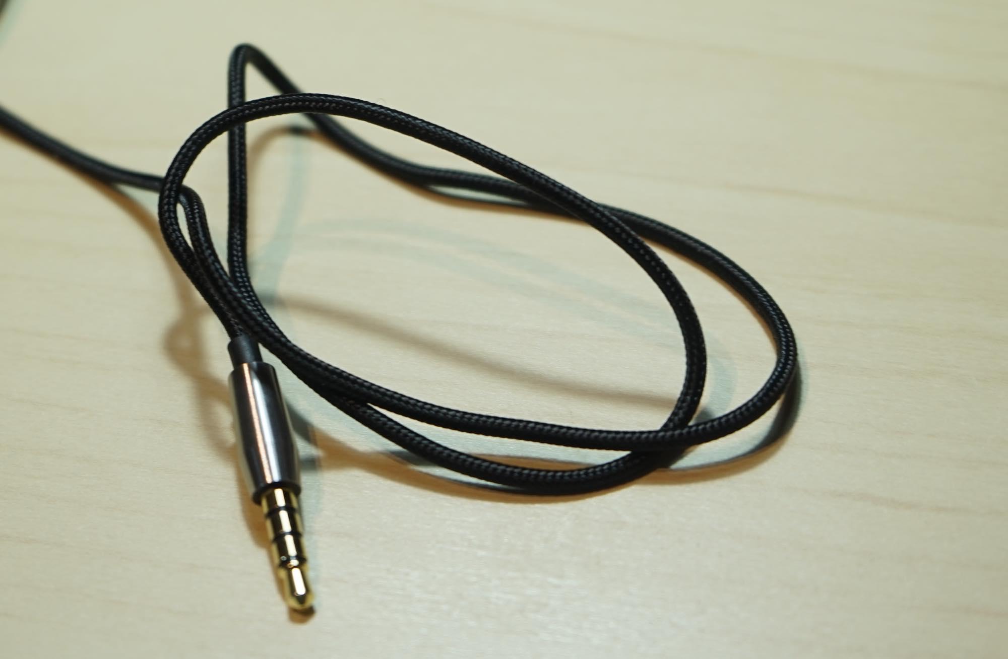 th_Mi-In-Ear-Headphones-Pro7