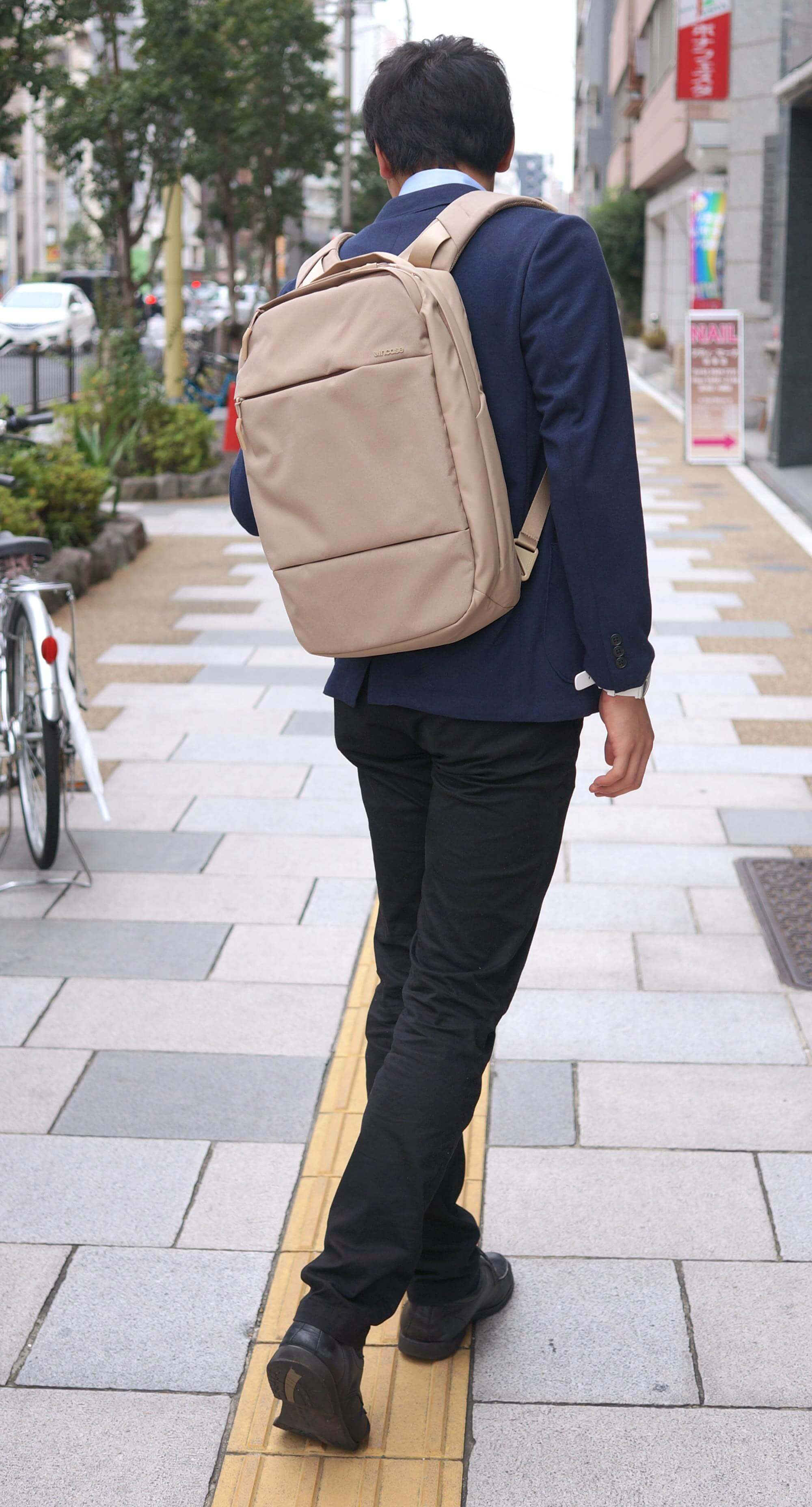 incase-city-collection-compact6