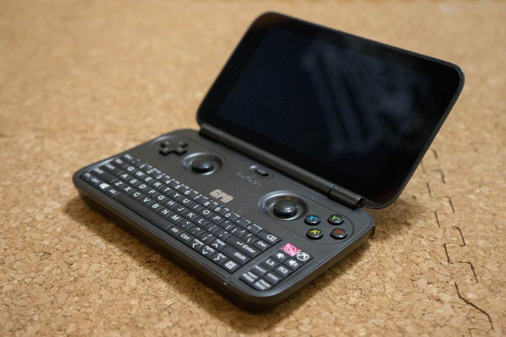 3DS LL サイズの Windows 端末「GPD WIN」。開封の儀とちょっとした雑感など
