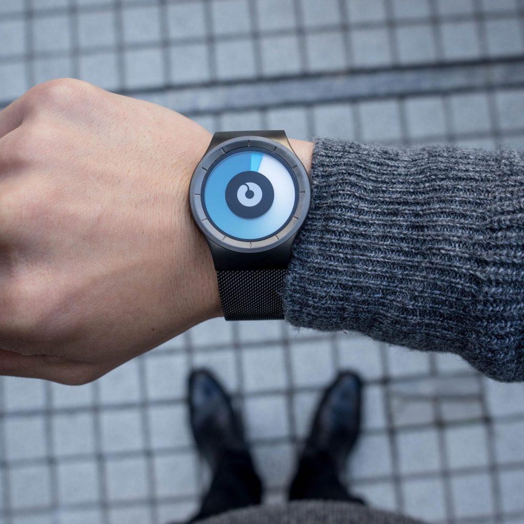 奇妙だけど格好良い。ドイツの腕時計「ZIIIRO WATCH(ジーロウォッチ)」レビュー