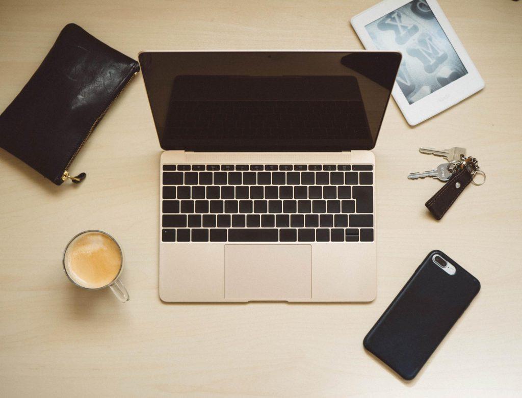 12インチ MacBook を仕事とブログで1年間ガッツリ使った感想。基本的にはこれ1台である程度こなせます