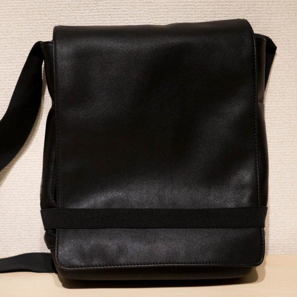 モレスキンのクラシックリポーターバッグを1年弱使った感想。MacBook を持ってちょっと作業するときに便利