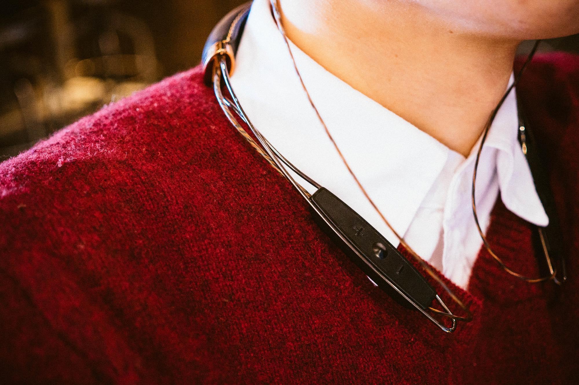 x12-neckband19