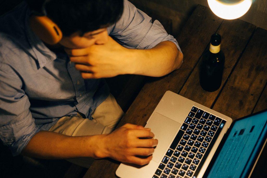 カフェ作業のストレス軽減!MacBook で「公衆無線LANサービス(Wi-Fi)」への自動接続を解除する方法