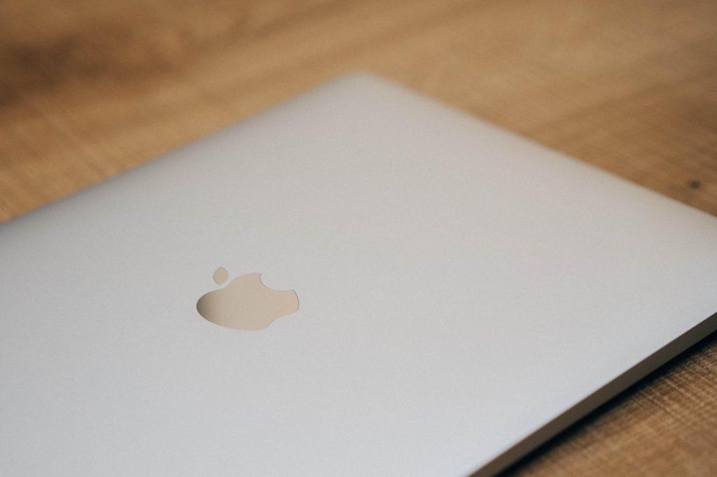 さよなら 12インチの MacBook、ようこそ新しい MacBook Pro。