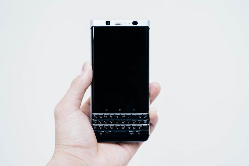国内版 BlackBerry KEYone をざっくりレビュー。物理キーが快適、動作はややもっさりするかも