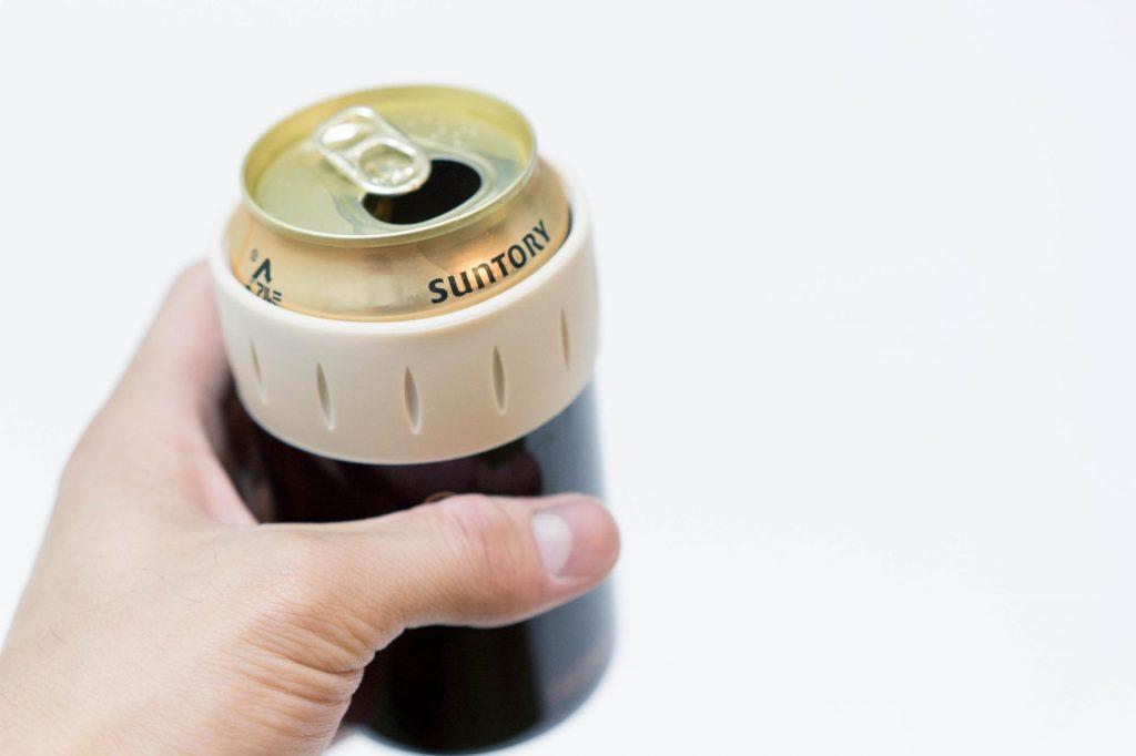 海やBBQでキンキンに冷えた缶ビールを!サーモスの『保冷缶ホルダー』なら屋外でも冷たさが持続する