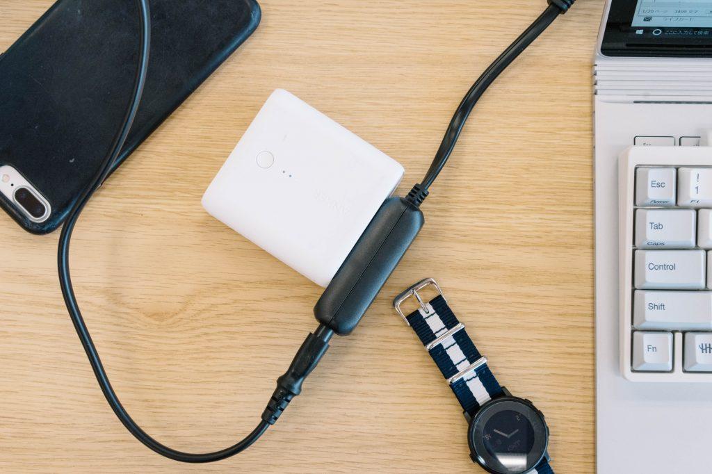 カフェやホテルで重宝。Surface Book ユーザー必携の『ACアダプター用タップ 3個口』レビュー