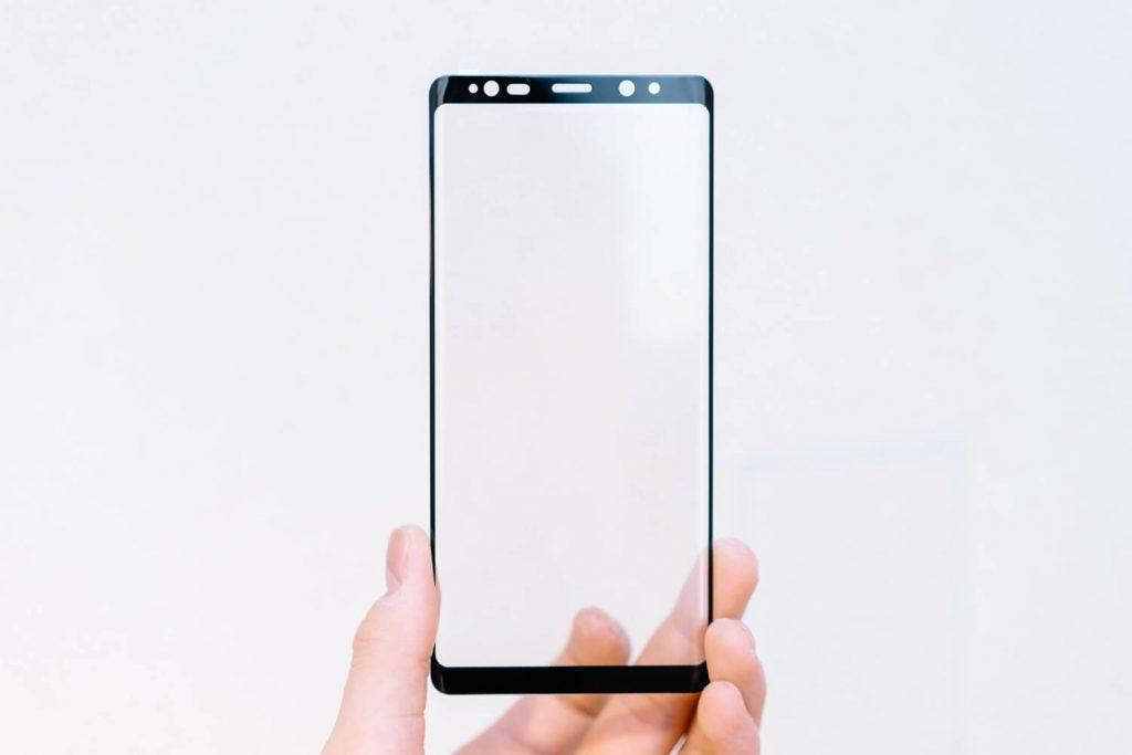 気泡ゼロはダメ!不良品ばかりで難しい『Galaxy Note8』のガラスフィルムの選び方