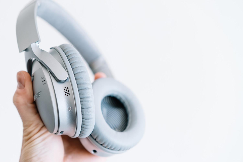『QuietComfort 35 wireless headphones II』のノイズキャンセリングマイク