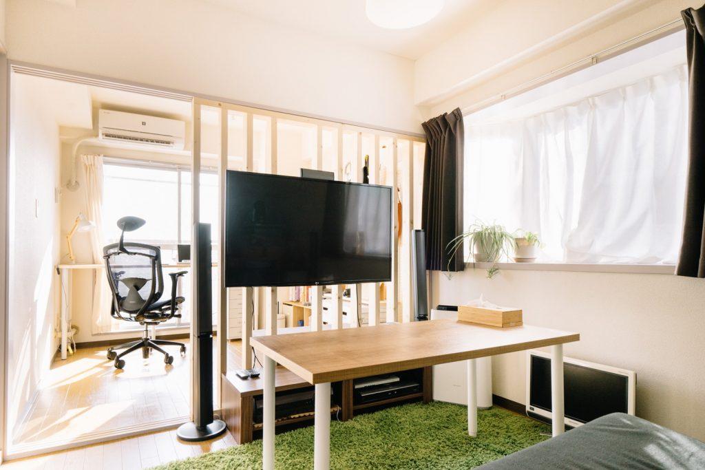 賃貸でも書斎のある暮らし⑤:光や風を柔らかく通す格子状のパーテーションをDIY