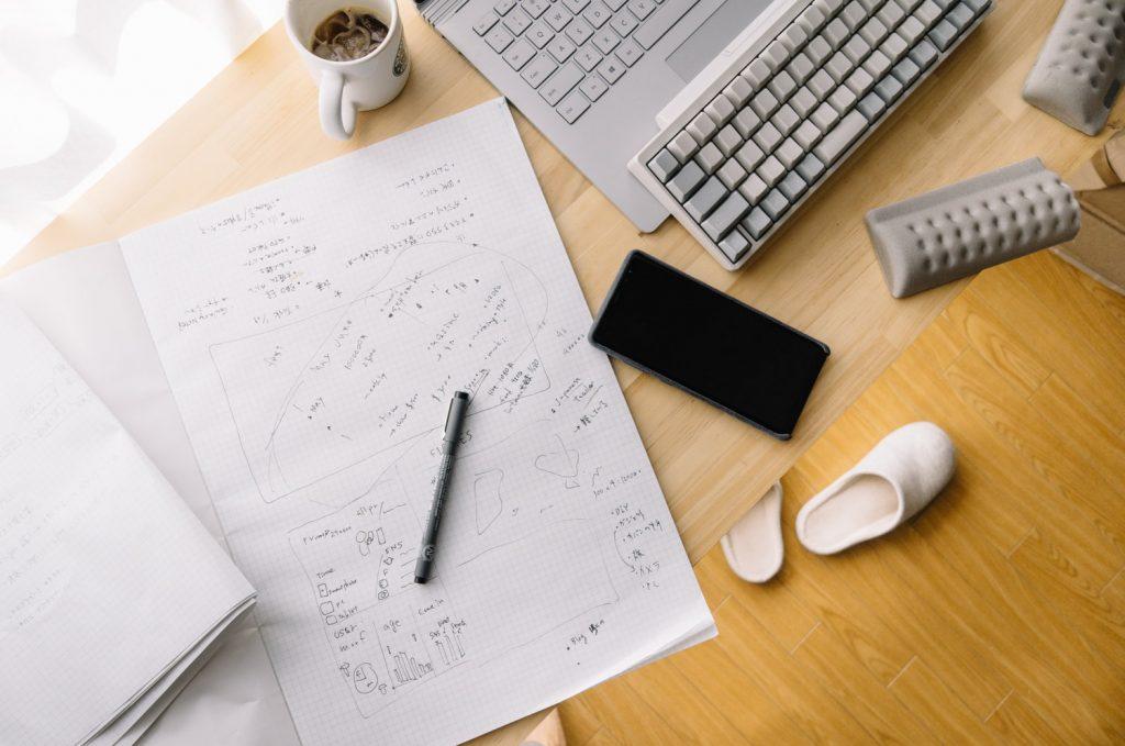 一人会議に最適。雑多にメモできる『A3 プロジェクトペーパー』のトバログ流の使い方