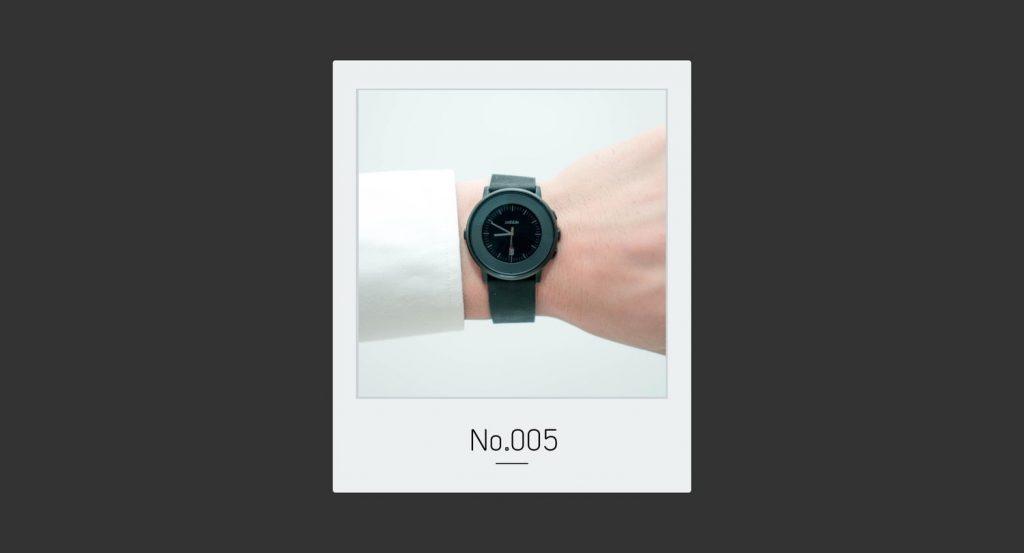 着せ替えが楽しいミニマルなスマートウォッチ Pebble Watch|トバログのモノ語りNo.005
