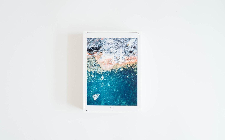 10.5 インチ iPad Pro の外箱