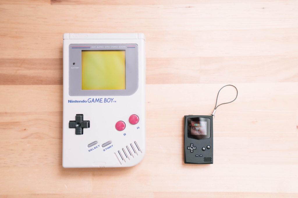 ゲームボーイのカセットが遊べるキーホルダー『PocketSprite』レビュー