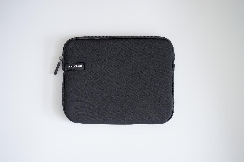 Amazon ベーシックの10インチタブレット用スリーブケース