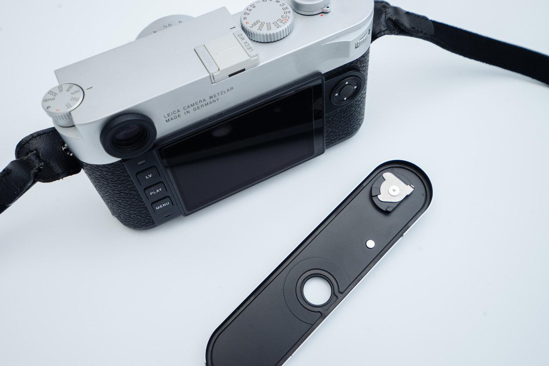 Leica M10 の底面