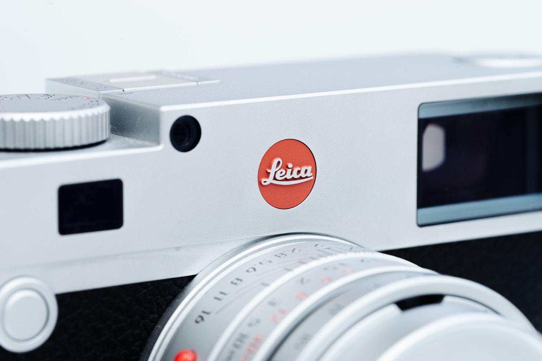 Leica M10 とロゴ