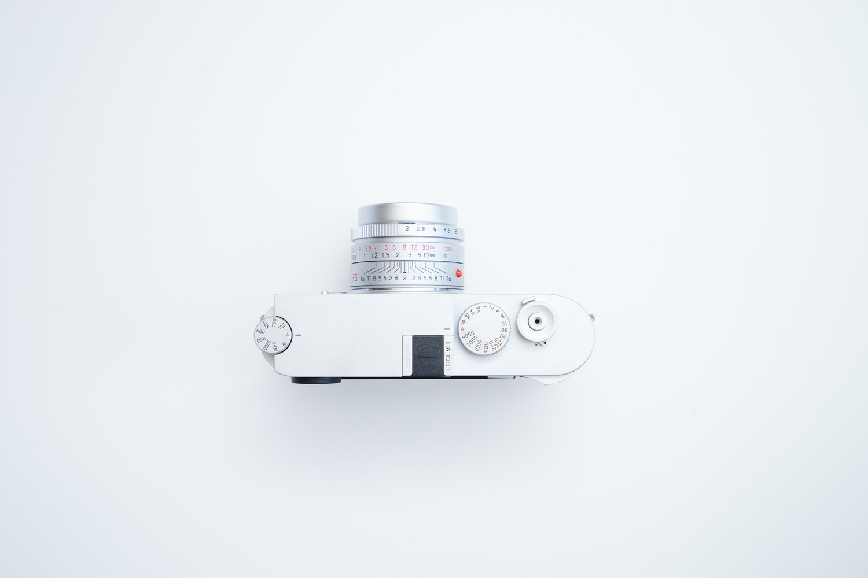 Leica M10 と純正ホットシューカバー