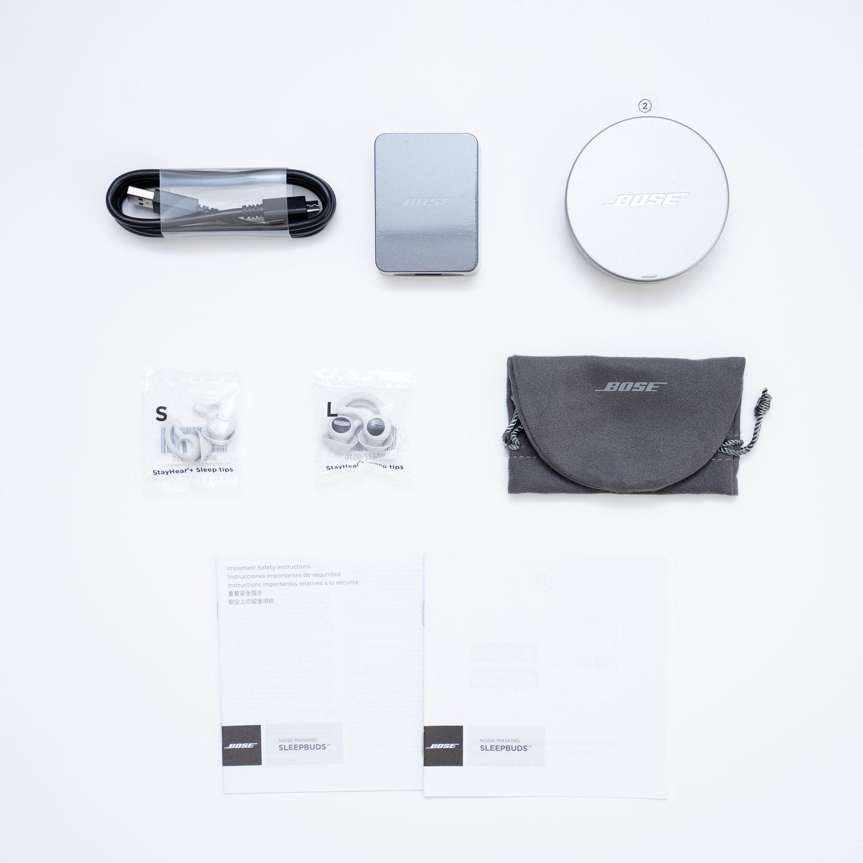 Bose(ボーズ)の睡眠時専用イヤホン『SLEEPBUDS』の付属品