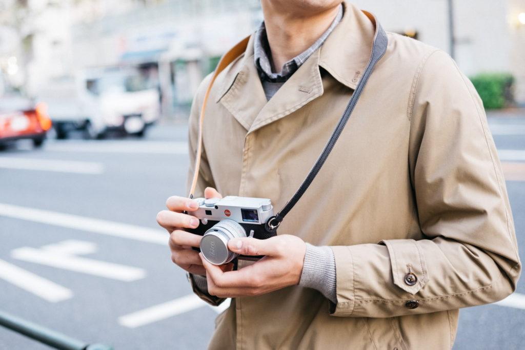 繋ぎ目のないミニマルな革のカメラストラップ。ULYSSESの『クラシコ・ヴァリアンテ』を買いました
