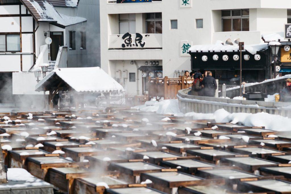 【旅とライカ】平日に旅する贅沢。Leica M10と雪降る街「草津温泉」