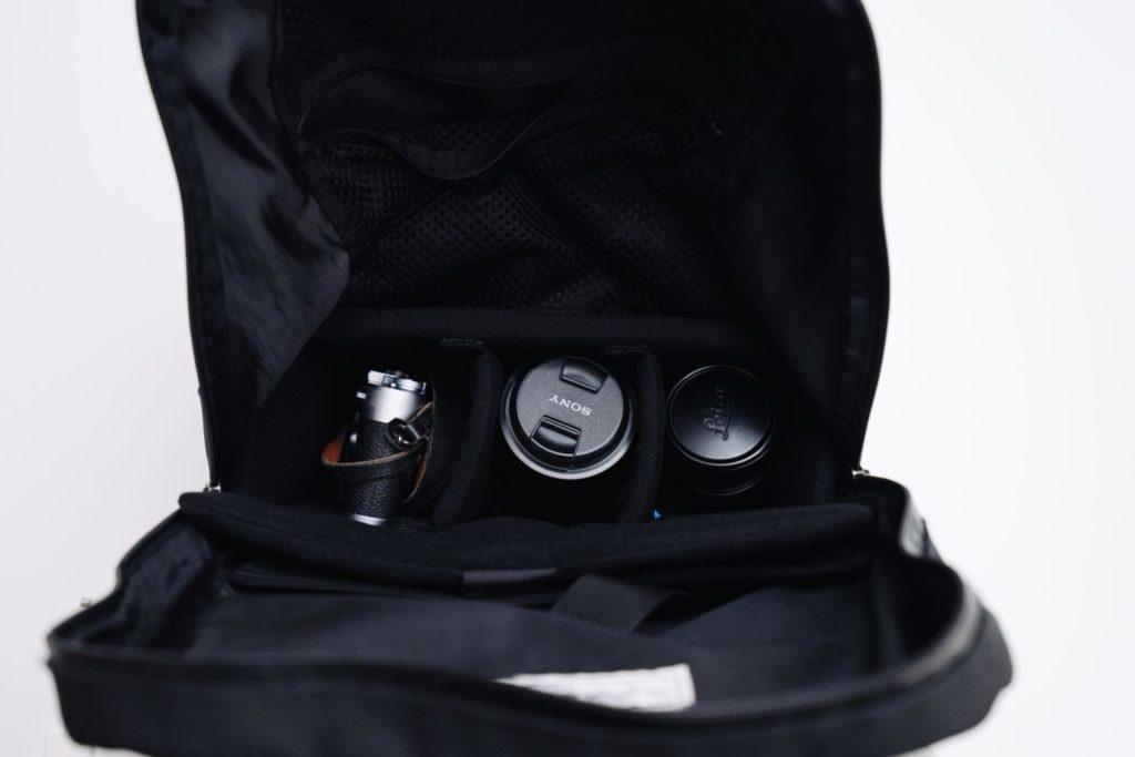 普段のカバンをカメラバッグにする。『ハクバ インナーソフトボックス』レビュー