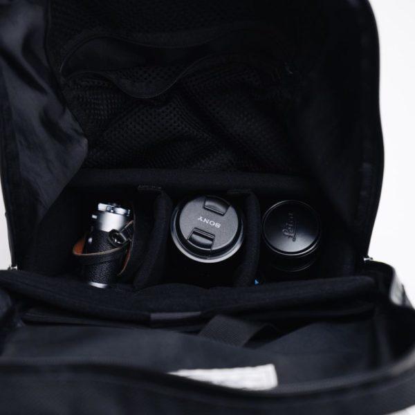 普段のカバンをカメラバッグにする。『ハクバ インナーソフトボックス』バックパック収納