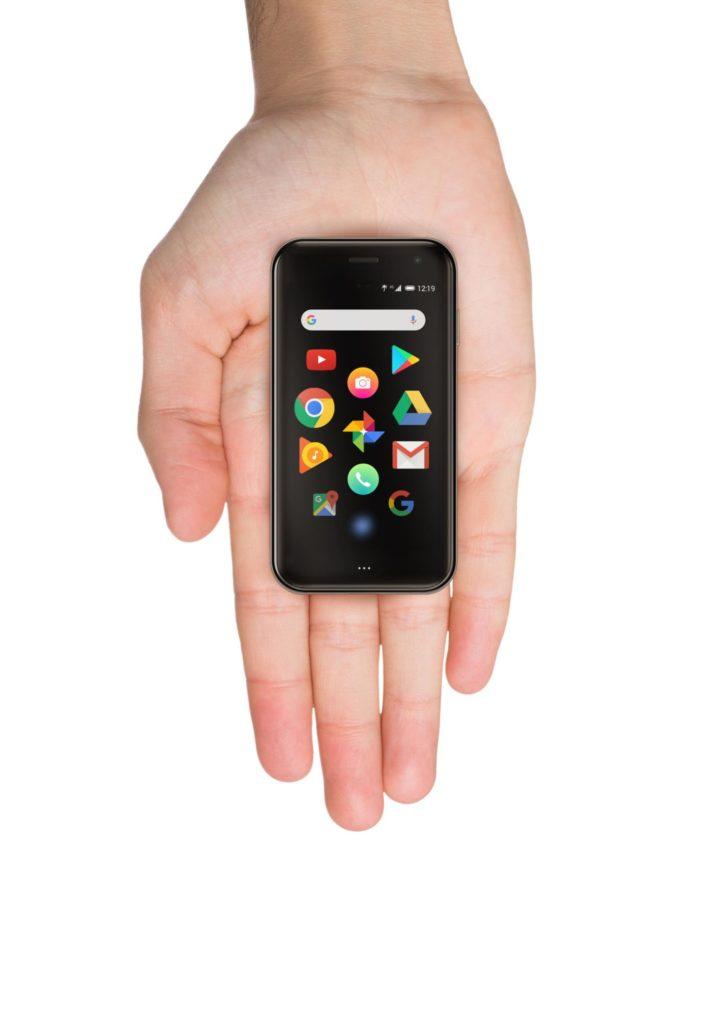 ミニマルだけれど本格派。クレカサイズのスマホ『Palm Phone』が国内発売となったのでさっそく予約。