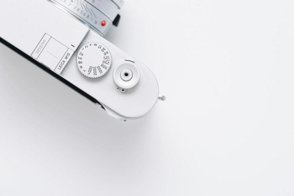 Leica M10のためにM10-P用の真鍮製ホットシューカバーを買ったので嬉しさを伝えたい