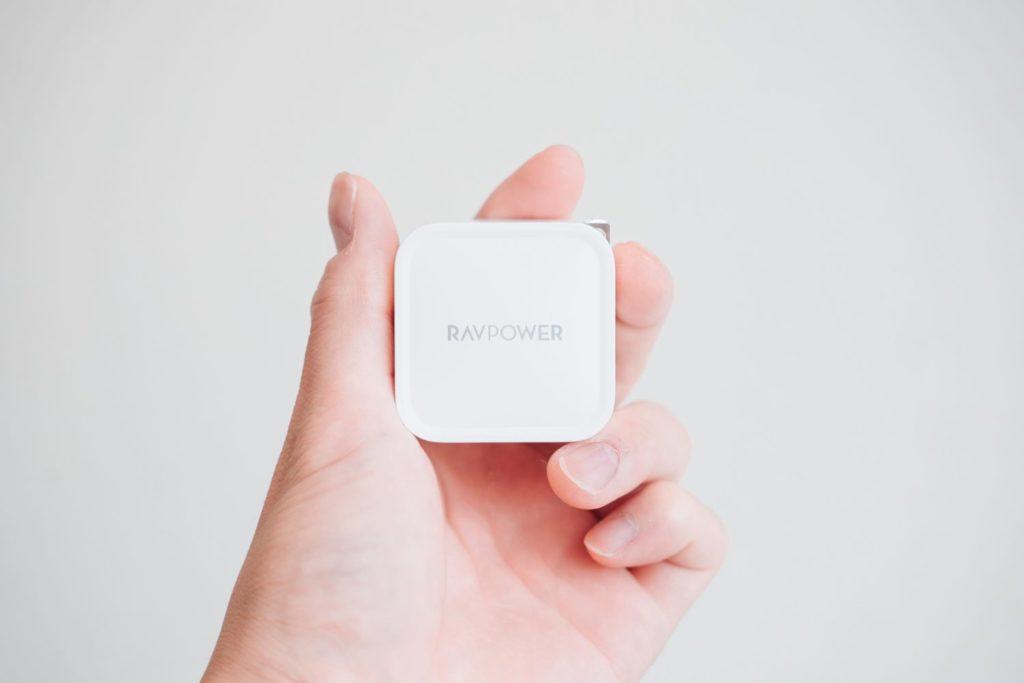 超小型なのにMacBook Proも充電できる。窒化ガリウム『RAVPower 61W USB-C 急速充電器』レビュー