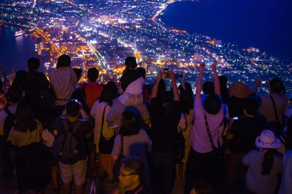 カメラと旅と、函館。ミシュラン三ツ星の夜景「函館山の表と裏」を知った日