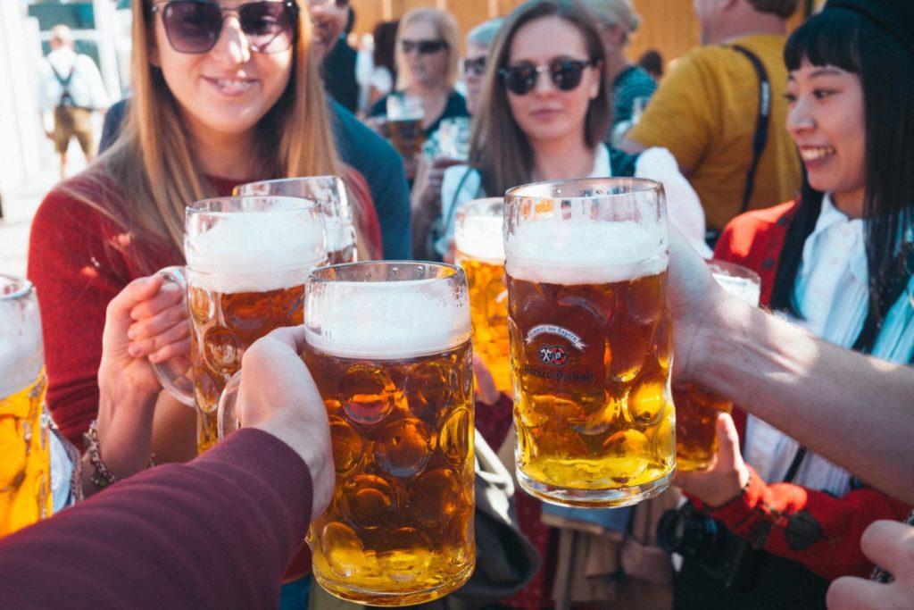 青空とビールと熱気。ミュンヘンのオクトーバーフェストに行ってきた