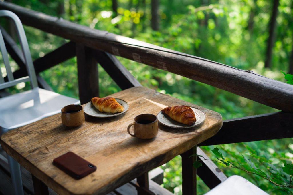 旅と長野と二拠点生活。別荘をセルフリノベした『ヨクサルの小屋』でのんびり過ごす