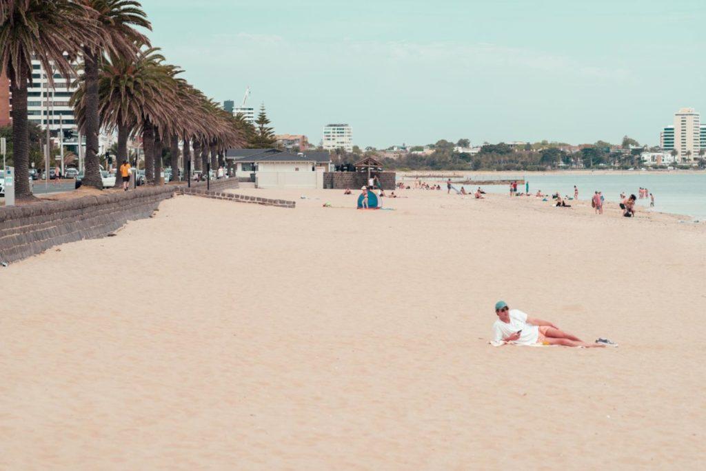 カメラと旅と、メルボルン。サウスメルボルンビーチからセントキルダをさんぽする