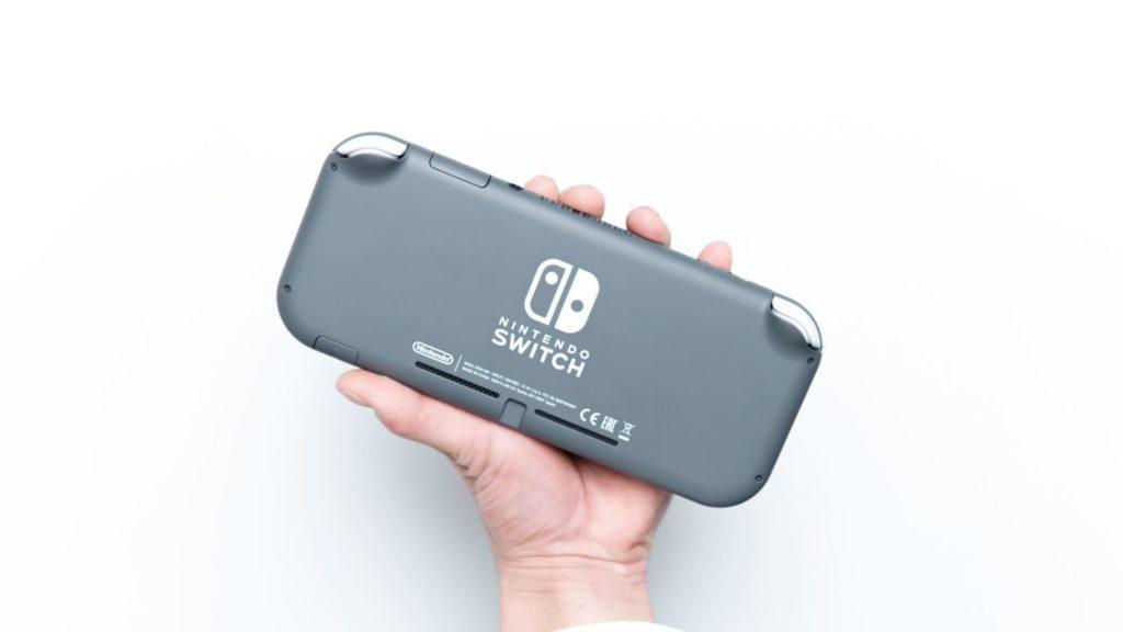 Nintendo Switch Lite、買いました。ミニマルで可愛いゲーム機