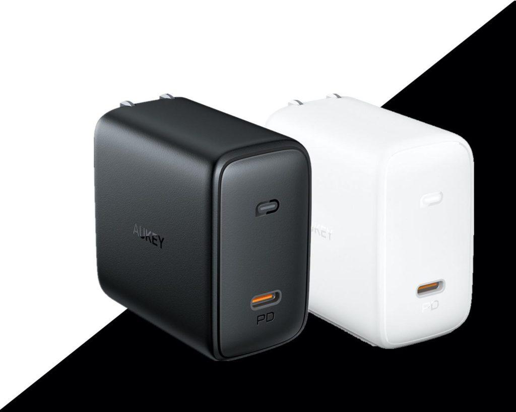 【買った理由】16インチMacBook Proも100Wで急速充電!コンパクトな窒化ガリウム充電器